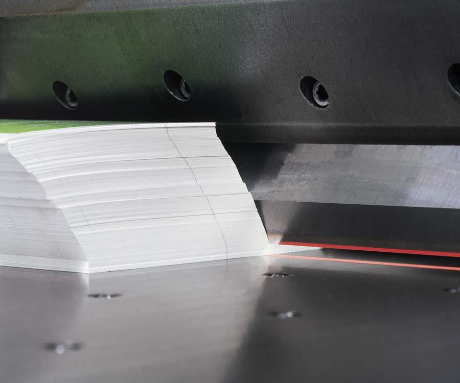 buchbinderei-druckveredelung-druckendverarbeitung-schneiden